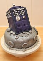 Tardis Cake by mikedaws