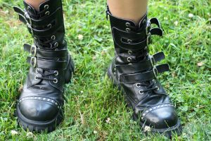 Darcie .Boots. by Sh0TguNxSisTeRs