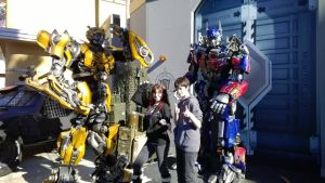 With Optimus and Bumblebee by sonicshadowlover13