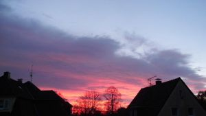Red Morning Sky by nTH2012