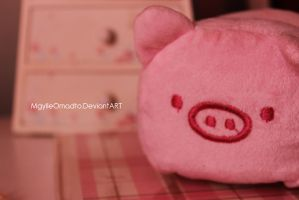 Pinky Pig by MGylleOmadto