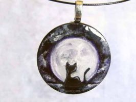 Midnight Kitty Pendant / Sold by sobeyondthis