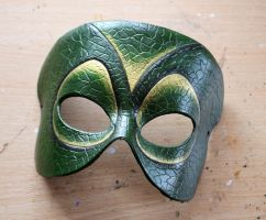 Reptilian leather mask by Masktastic