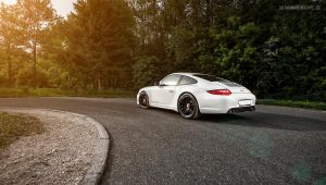 White Porsche 911 by AmericanMuscle
