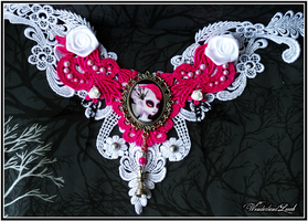 The White Queen Wonderlace - Gothic Lace Necklace by empulsa