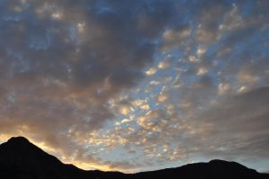 nuvole al tramonto - clouds at sunset by Gabarte