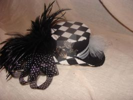 Miniature Top Hat.Aeson by FatAndSassyBoutique