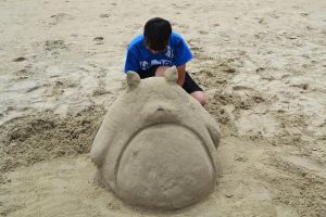 Making a Totoro Sand Castle by SimplySaraArt