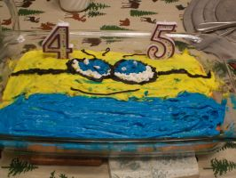 Minion Cake by JudgeChaos