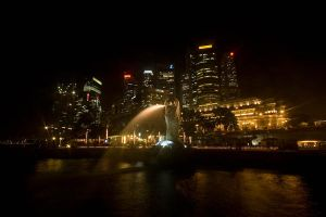 The merlion at night 2 by DracuLeon