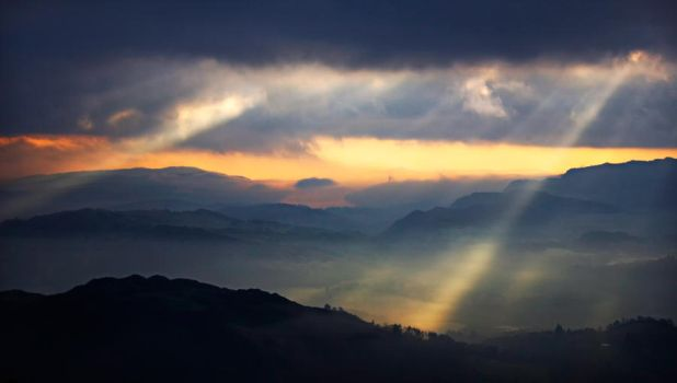 Mountain Sky by scotto