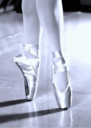 chaussons en vrac - Page 3 Ballet_by_AmeNonDesiree