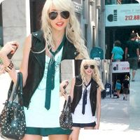 Momsen_Action by LisaBlackitty