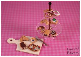 Miniature pastry by EmisBakery