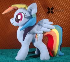 Dashie with movable head and wings plus pattern by Oblitor