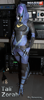 Tali'Zorah Papercraft by Avrin-ART