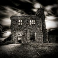 baconsthorpe gatehouse by sparxphoto