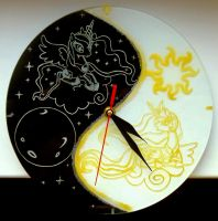 MLP - 'Royal Sisters' (clock ENGRAVE) by Cerebralis
