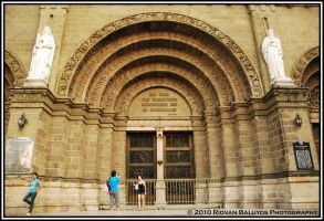 Manila Cathedral Front by rbaluyos