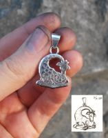 Little Giraffe silver pendant by fairyfrog