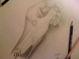 Left Hand Drawing by t3h4ndy