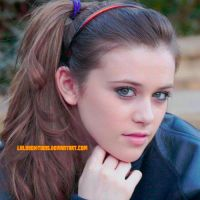 Display de Caitlin Beadles by LulyyEditions