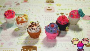 Lots O Scented Cupcake Charms by pinknikki