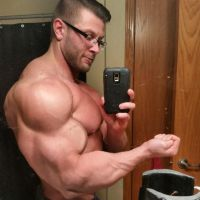 Muscle Selfie by BigBergMan