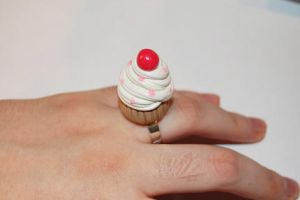 Creme cake ring by knil-maloon