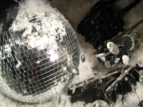Disco Ball on Display by serpentesse