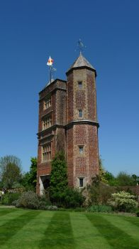 Sissinghurst Tower by aberlioness