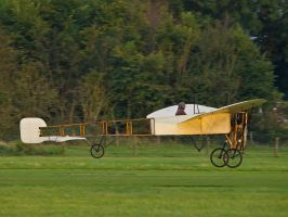 Bleriot XI - Old Warden by davepphotographer