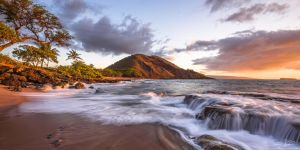 Pu'u Ola'i Fountain by AndrewShoemaker