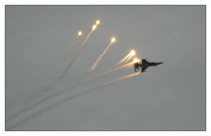 F-16 Flares RIAT '07 by shotgun-ned