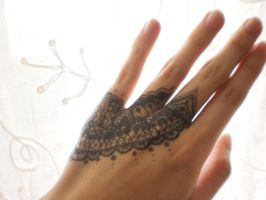 lace drawing on hand by Lacerare