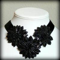 Sequined black flowers choker by Lincey