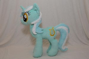 Lyra Heartstrings Plushie by makeshiftwings30