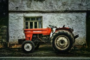 HDR Old Car 2 by trmustapha