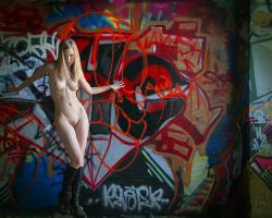 Nude tagger by e-string