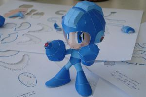 Megaman Papercraft by Dil1880