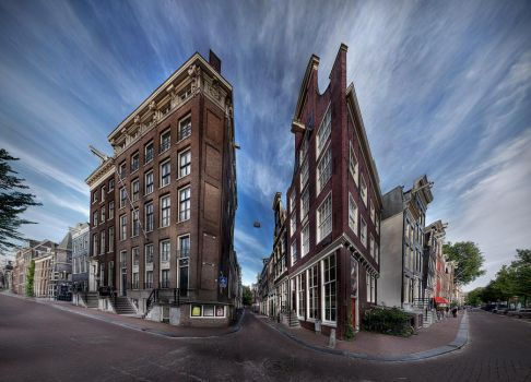 Streets of Amsterdam by phoelixde