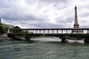 Paris sur la Seine by jofi555