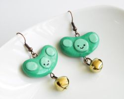 Edamame Earrings by alexredford