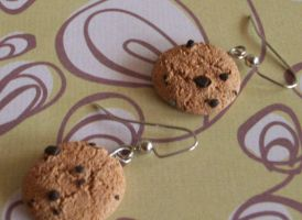 Chocolate Chip Cookie Earrings by Cosmic-Outcast