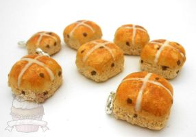 Scented Hot Cross buns by ilikeshiniesfakery