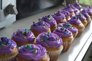 OH LOOK MOAR CUPCAKES :3 by 0o-tui-and-la-o0