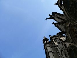 The church and the sky by phanxine