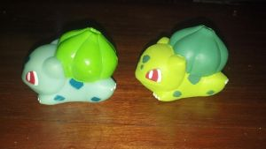 Shiny Bulbasaur Repaint - side by Wolf-0f-Shadow