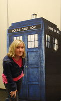 Rose and the TARDIS by StarlightWhispers
