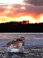 A Frozen sunset by Nassee